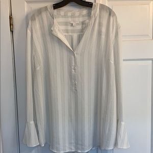 14th & Union bell sleeve top
